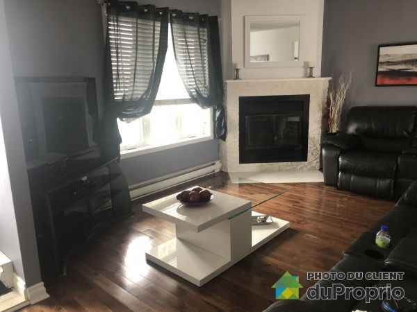 Living Room - 12320 rue Voltaire, Rivière des Prairies for sale
