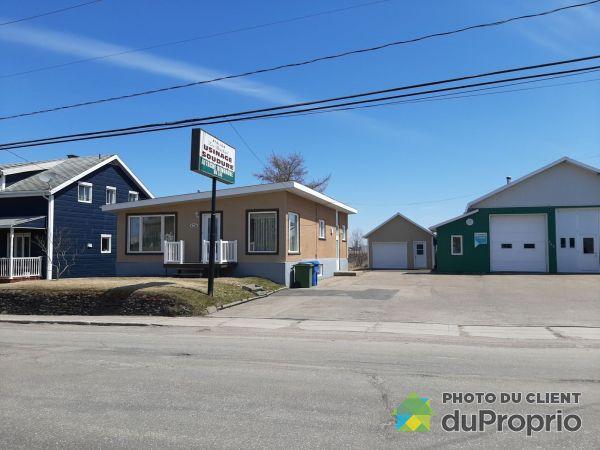 265 avenue Saint-Alphonse, St-Bruno-Lac-St-Jean for sale