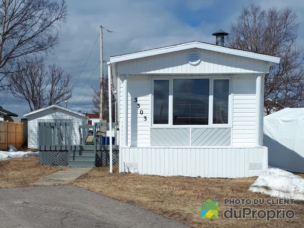 Summer Front - 3303 rue Lebel, Baie-Comeau for sale