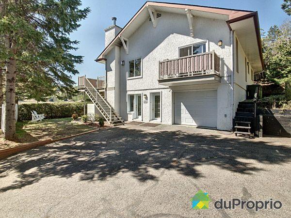 697 1er rue du Domaine Pagé, St-Sauveur for sale