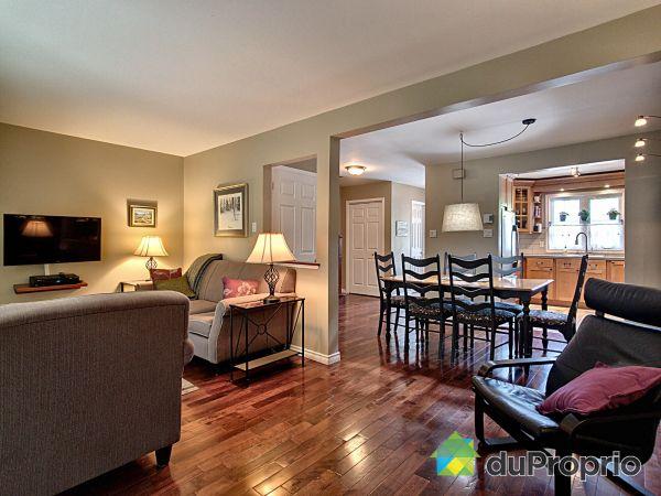 Living Room - 582 rue des Sapins, Ste-Foy for sale