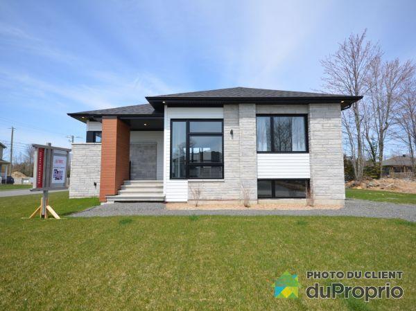 1075, Allée du Soleil - Par Habitations Jutras, Drummondville (St-Nicéphore) à vendre