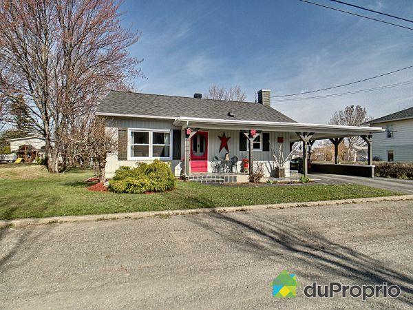 15, rue Arthur, Témiscouata-sur-le-Lac à vendre