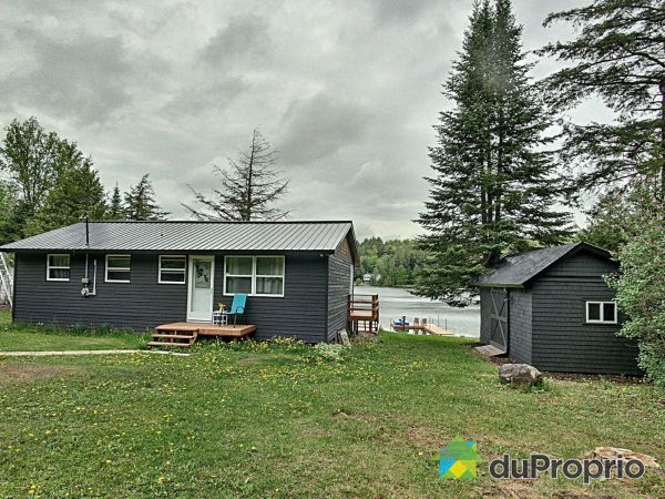 144 Chemin du Lac Achigan, Val-Des-Monts (St-Pierre-de-Wakefield) for sale