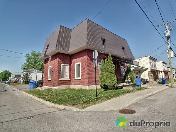 220-222, 3e Avenue, Ste-Anne-Des-Plaines à vendre