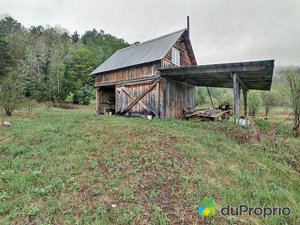 104 chemin des Hautes-Chutes, Val-Des-Bois for sale