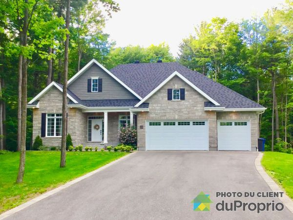 2381 rue Yearling, St-Lazare for sale