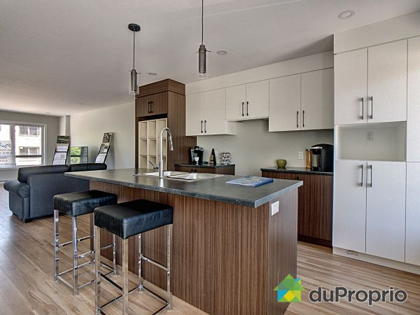 Kitchen - rue Stephen-Hawking - Projet Stephen-Hawking - Par les Constructions RMR Leblanc, Chateauguay for sale