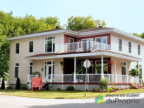 250 avenue Champlain, St-Armand for sale