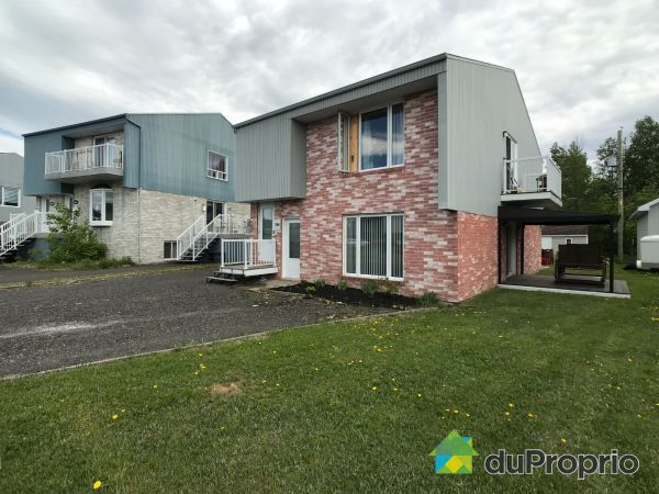 966 rue du Chasseur, St-Jean-Chrysostome for sale