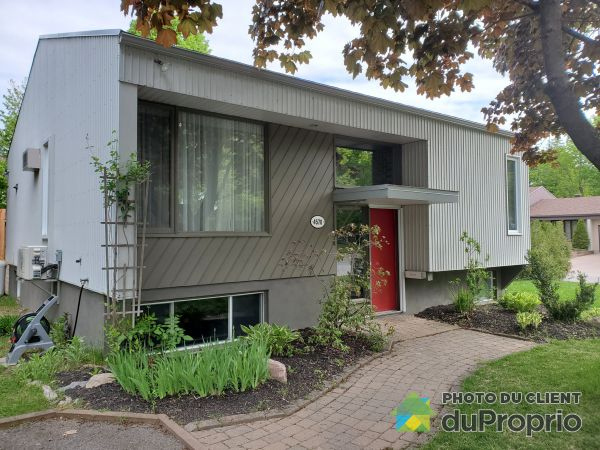 Summer Front - 4570 rue Pierre-Dugal, Cap-Rouge for sale