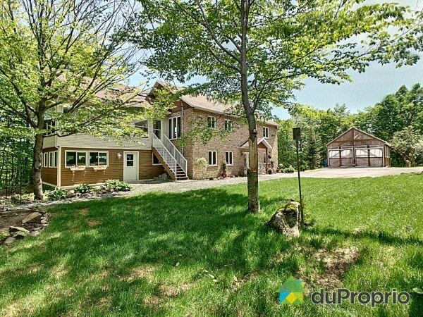 Backyard - 161 chemin des Bois-Francs, Stoneham for sale