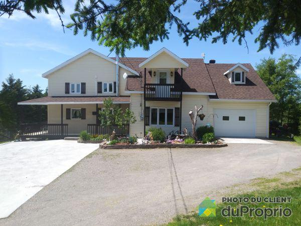 988 rang de la Belle-Rivière, Hébertville for sale