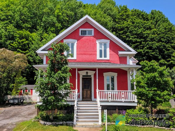 10433 avenue Royale, Ste-Anne-de-Beaupré for sale