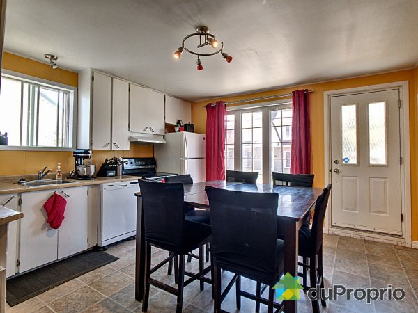 Eat-in Kitchen - 62 rue du Collège, Pont-Rouge for sale