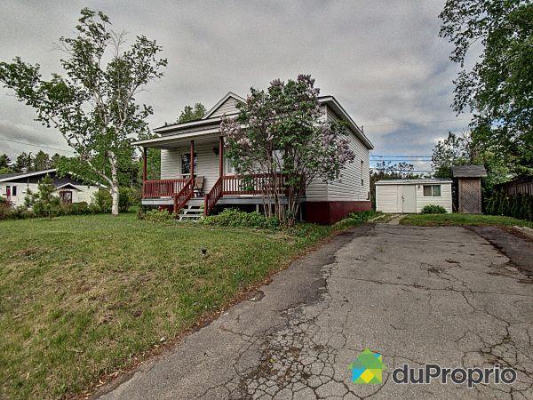 2482, avenue du Parc, La Baie à vendre