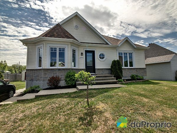 690 rue Patterson, Donnacona for sale