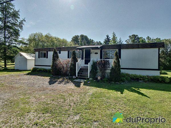 Buildings - 551 route du Golf, Lac-Etchemin for sale