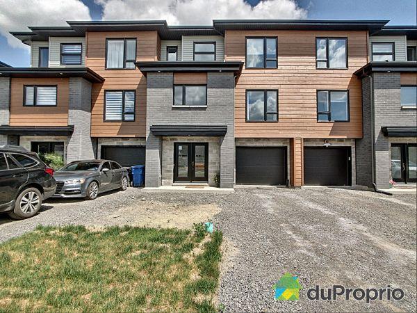 8735, rue M.-J.-Drapeau, Mirabel (St-Augustin) à vendre