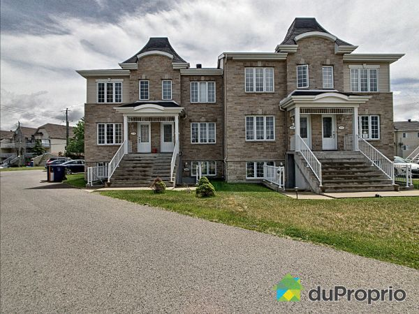 2800 rue Justine Lacoste, Chomedey for sale