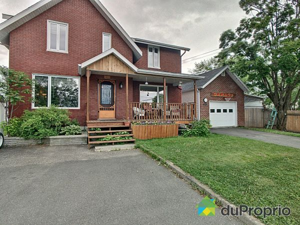 Front Yard - 335 avenue Saint-Cyrille, Ste-Marie for sale