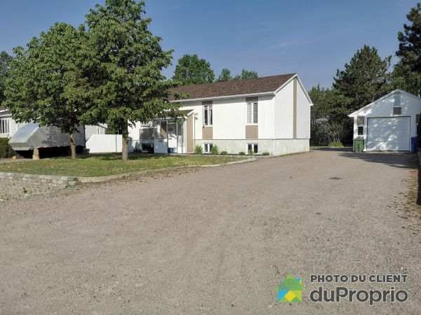 14 rue des Pins, Pointe-Lebel for sale