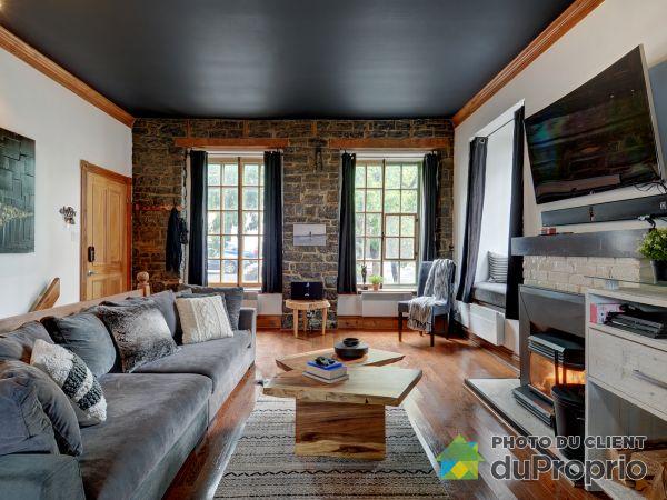 Living Room - 101-9 rue Sainte-Angèle, Vieux-Québec for sale
