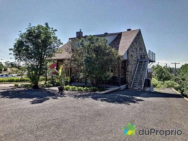 2630, chemin du Petit-Village, Beauport à vendre