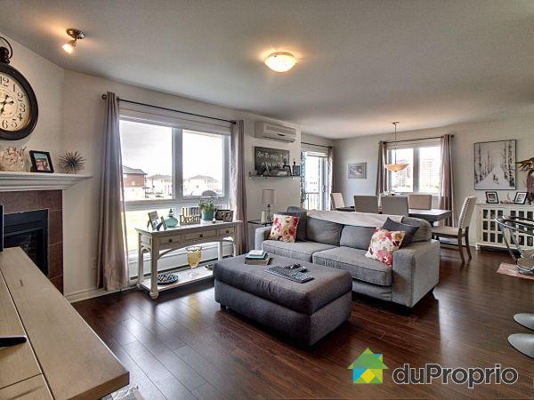 Living / Dining Room - 201-137 rue Toe-Blake, Vaudreuil-Dorion for sale