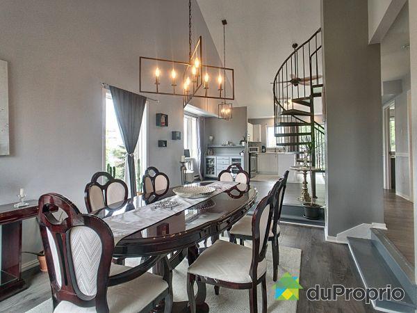 Dining Room / Living Room - 301-7012 rue Paul-Letondal, Rivière des Prairies for sale