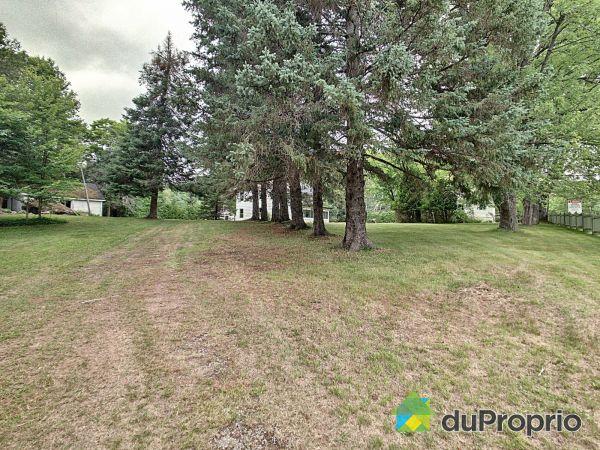 Aménagement paysager - 78-80, chemin du Village, Lac-Des-Seize-Iles à vendre