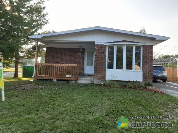 Landscaping - 3860 rue Pincourt, Neufchatel for sale