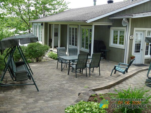 Terrasse - 940, chemin de la Pisciculture 2e Avenue, St-Tite à vendre