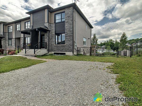 Cour avant - 365, rue Paul-Gagné, Sherbrooke (Fleurimont) à vendre