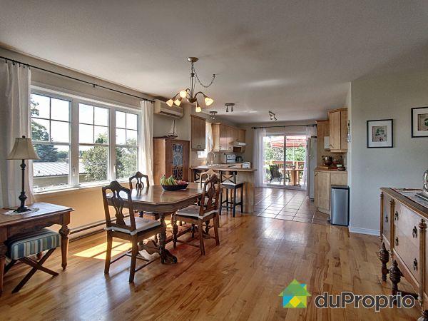 2e étage - 100-102-104, 10e avenue, Richelieu à vendre