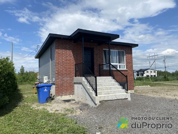 163 rue Naomie, St-Rémi for sale