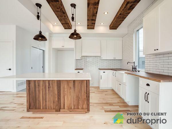 Kitchen - chemin du Relais - Quartier Meredith - Modèle le Métis B - Par Exo Construction, Chelsea for sale
