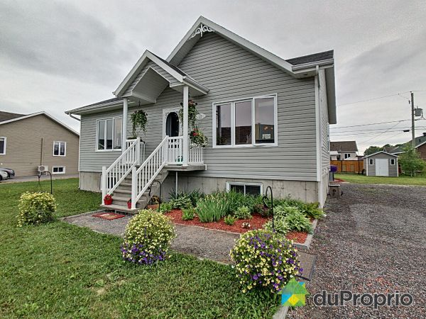 321 rue du Couvent, St-Honore-De-Chicoutimi for sale