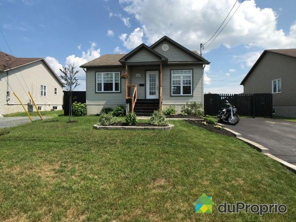 Summer Front - 669 rue Saint-Édouard, Sherbrooke (St-Élie-d'Orford) for sale