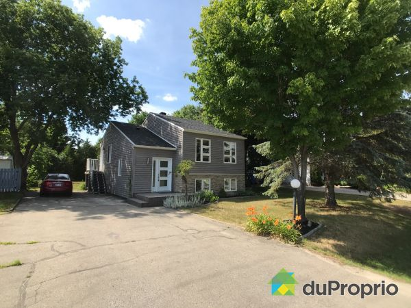 Side View - 1629 rue des Lilas, St-Lazare for sale
