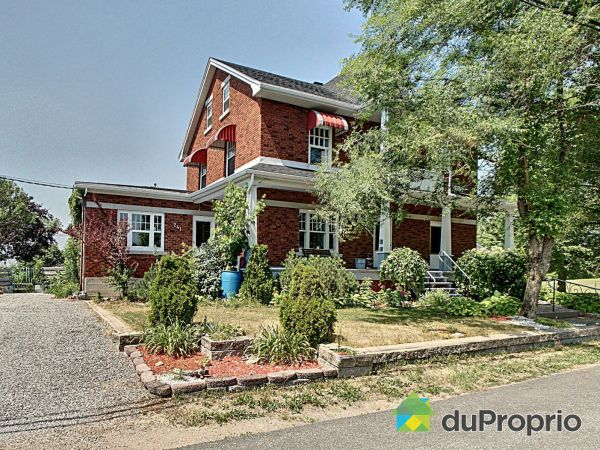 Summer Front - 241 rue Saint-Georges, St-Barnabe-Nord for sale