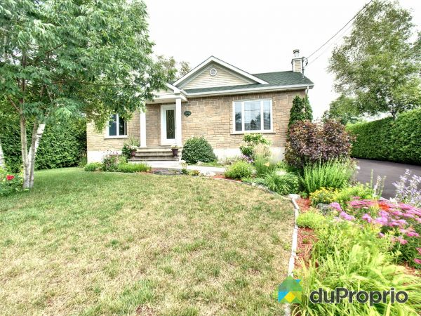 1074 avenue Cécile, St-Cesaire for sale