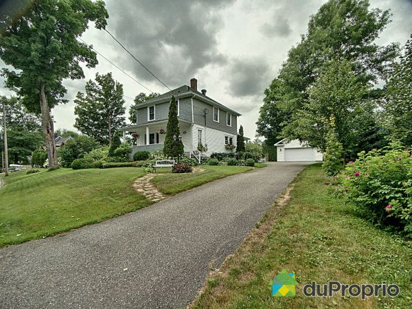 Summer Front - 66 rue Fredette, Sherbrooke (Brompton) for sale