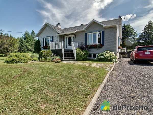 Summer Front - 185 route 232 Ouest, Témiscouata-sur-le-Lac for sale