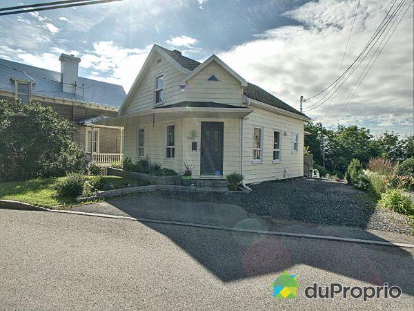 Summer Front - 2120 avenue Royale, Beauport for sale