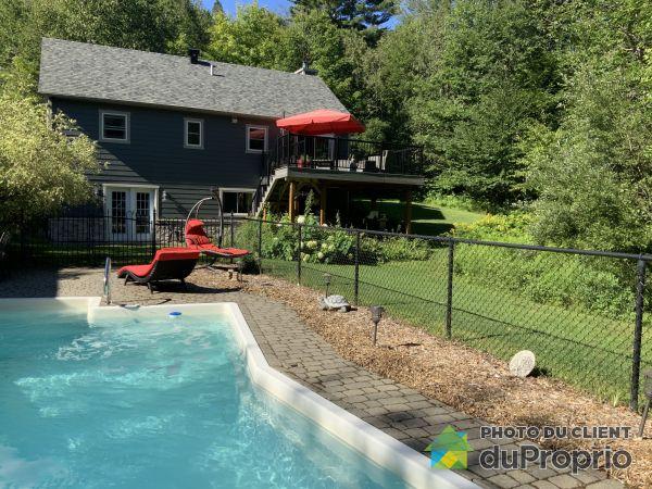 Backyard - 33 182e Avenue, St-Hippolyte for sale