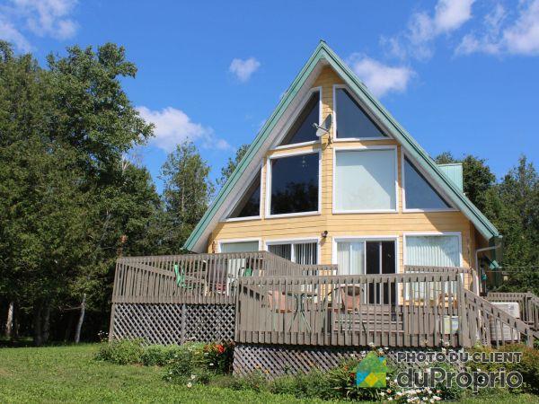 118 rue de la Montagne, Carleton-sur-Mer for sale