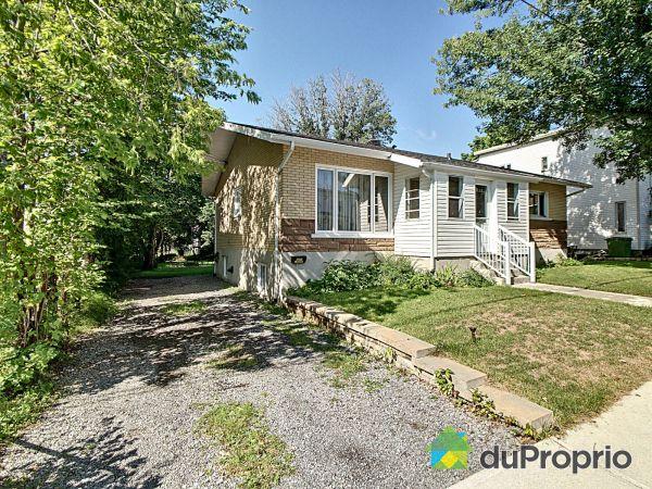Summer Front - 2335-2337, avenue Deblois, Beauport for sale