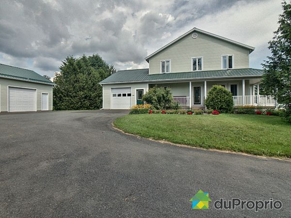 190 chemin Papineau, Lac-Brome for sale