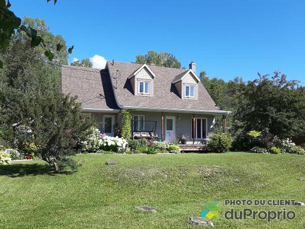 692 boulevard de York Sud, Gaspé for sale
